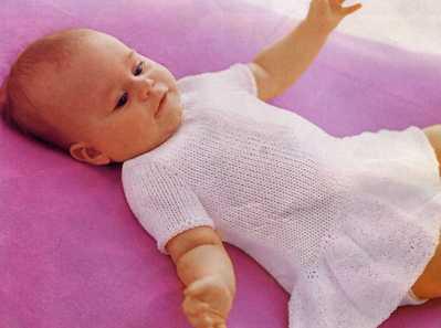Описание: связать платье спицами для девочки до года.