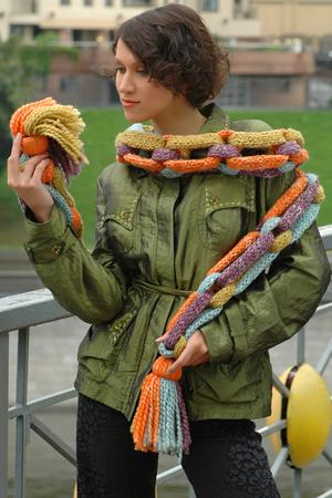 Шарфы женские вязаные - Модно в России 2012, Вязаные.