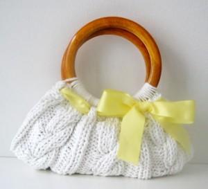...идеей как быстро и легко связать оригинальную сумочку.