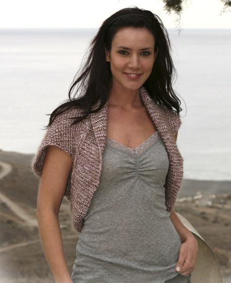 """На нашем сайте для девушек  """"Дамочка """" Вы постоянно можете найти новость - вязания на спицах болеро, с фотографиями..."""