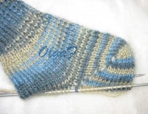 """На нашем сайте для девушек  """"Дамочка """" Вы в любой момент отыщите публикацию - вязание носков на двух спицах..."""