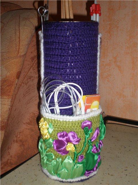 Набор спиц и крючков для вязания.