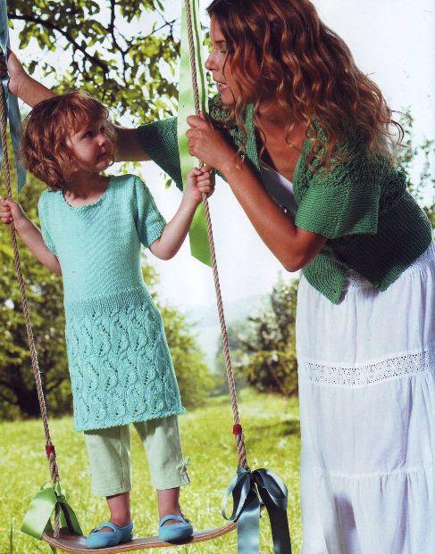 Вязаные сарафаны для девочек на спицах.