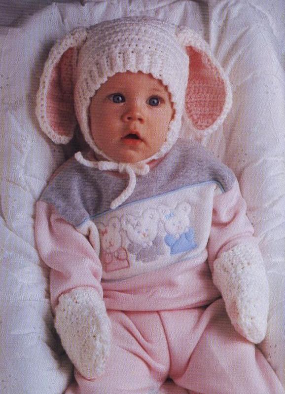 Зимняя вязаная шапочка для новорожденного.