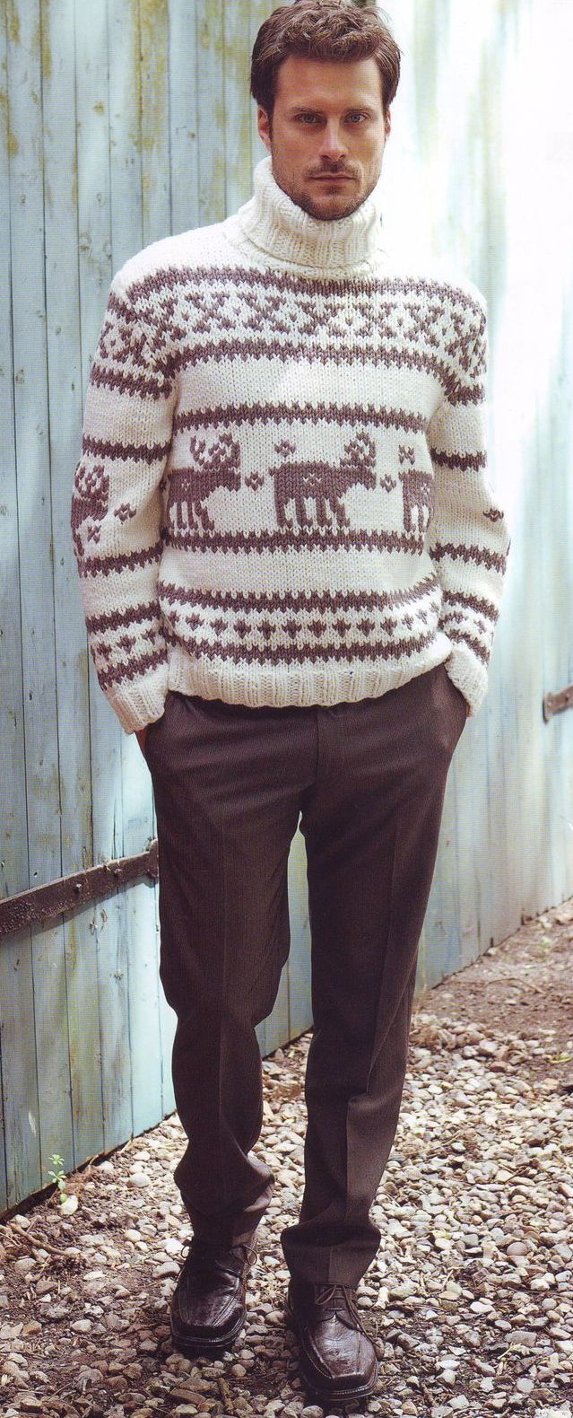 Вязаный пуловер для любимого мужчины.  Главное, чтобы у вашего мужчины было чувство юмора, (это про оленей)...
