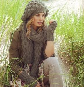 вязаный берет, шарф и митенки