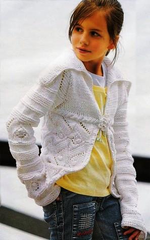 Описание: как вязать спицами для начинающих кофту для девочки.