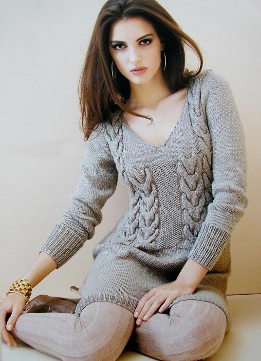 Оригинальное вязаное платье с