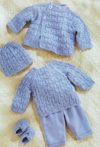 Описание вязаного комплекта для малыша.  Комфортные вещи, связанные...
