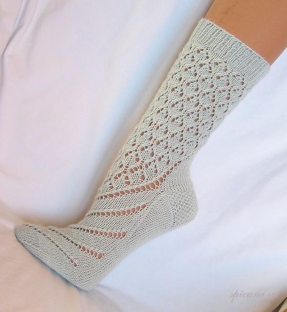 Вяжем ажурные носки спицами описание схемы