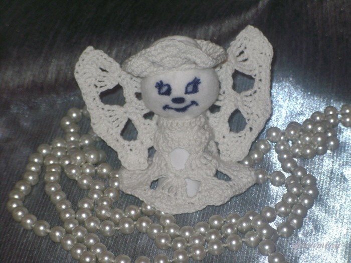 Вяжем ангелочка своими руками из ниток ирис 90