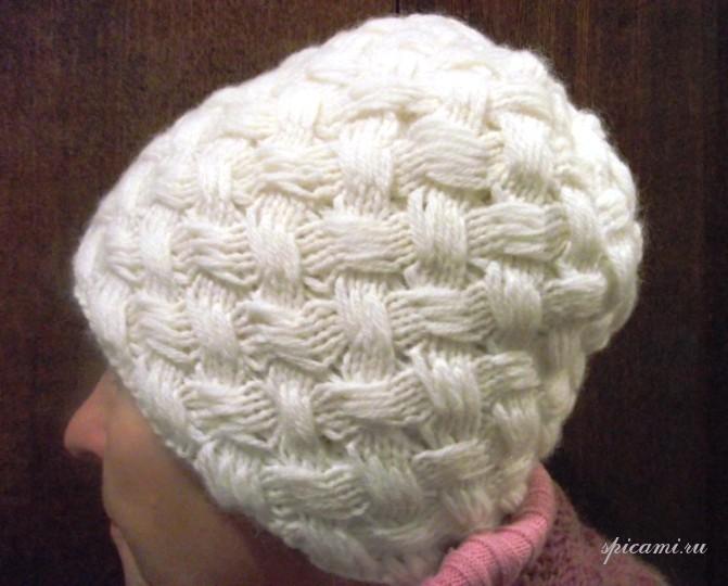 как закончить шапку узор плетенка