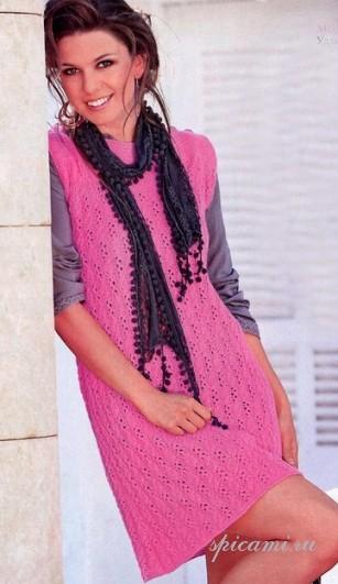 Ажурное платье спицами с брошью.  Четверг, 29 Сентября 2011 г. 08:47...