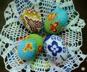 вышиваем яйца бисером