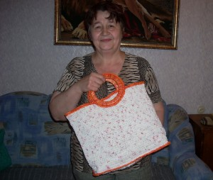 вязаная сумка из пакетов