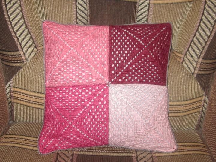Поиск на Постиле: квадрат крючком подушка 85