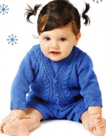 Детский костюм (жакет и комбинезон) связан спицами. Вам потребуется