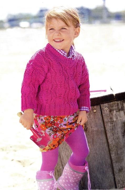 Read more.  Детский пуловер связан спицами из ярко - розовой пряжи.  В состав пряжи входит шерсть и хлопок...