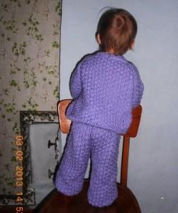 костюм для малыша спицами