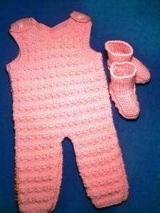 комбинезон для малыша спицами