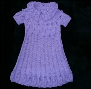 вязаное платье спицами для девочки