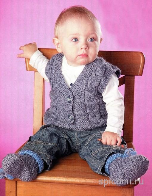 Вязанные жилетки для детей спицами