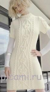 вязаное платье с косами спицами