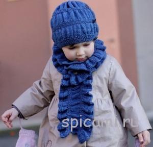 вязаная шапока и шарфик для девочки