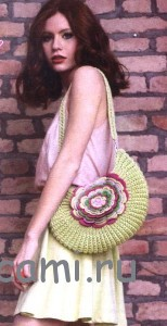вязаная сумочка крючком с цветком