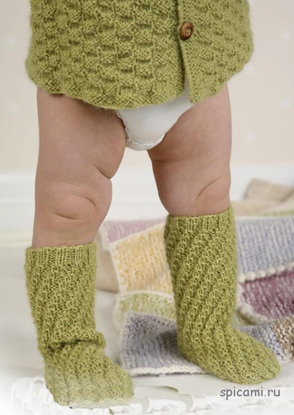 Вяжем для самых маленьких спицами носочки