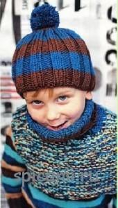 вязаная шапочка и манишка для мальчика