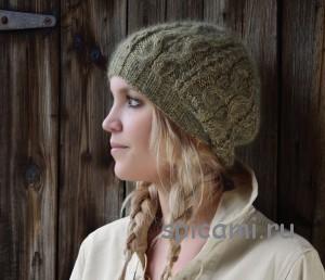 вязаная шапка спицами с косами