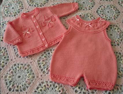 Розовый комплект (из серии Вязание для детей)