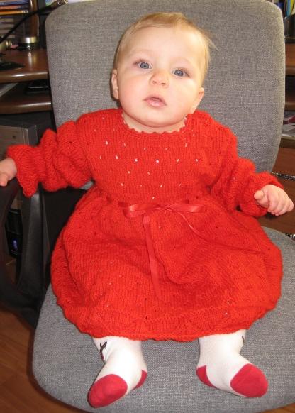 Вязаное платье для малышки от Ирины Сизовой