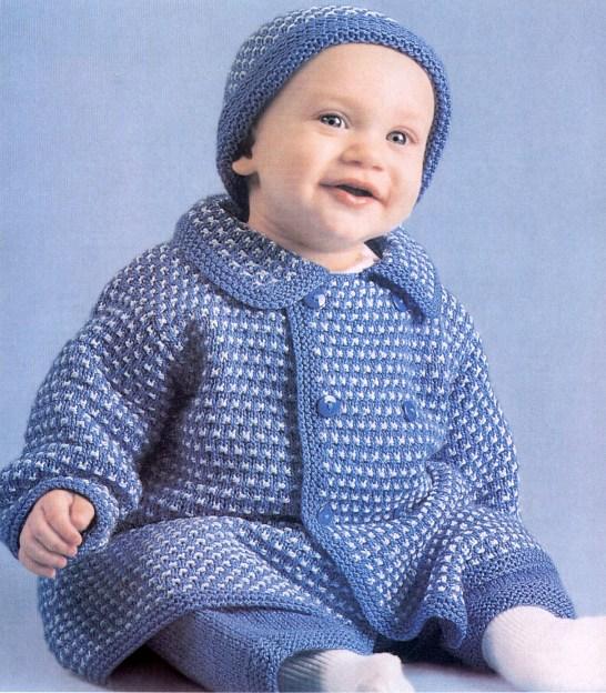 Вязаное пальто и шапочка для малыша