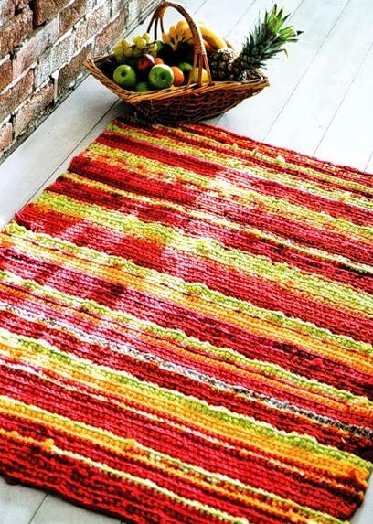 Вязаный коврик из ткани