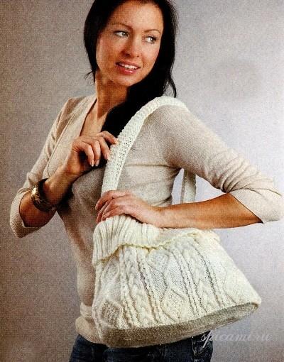 Вязаная сумка с рельефным узором