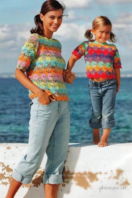 Вязаный пуловер для мамы и дочки