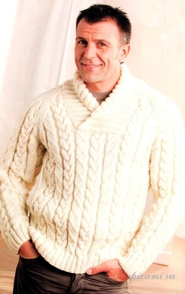 Вязаный пуловер и шапка с шарфом