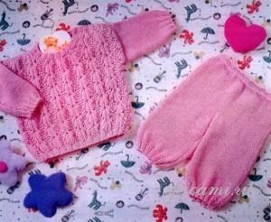 пуловер и штанишки спицами
