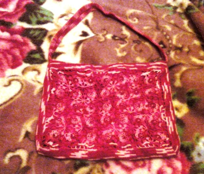 Вязаная сумочка из мотивов