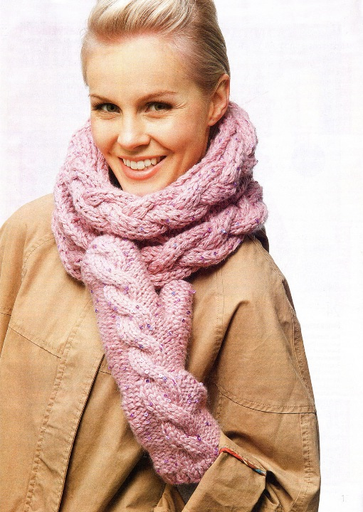 Варежки с косой и шарф-труба