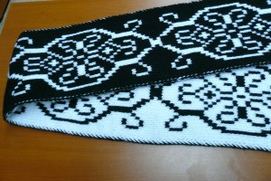 вязаный шарф с жаккардом