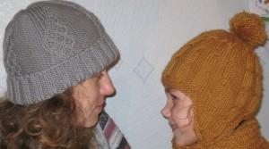 шапки вязаные спицами