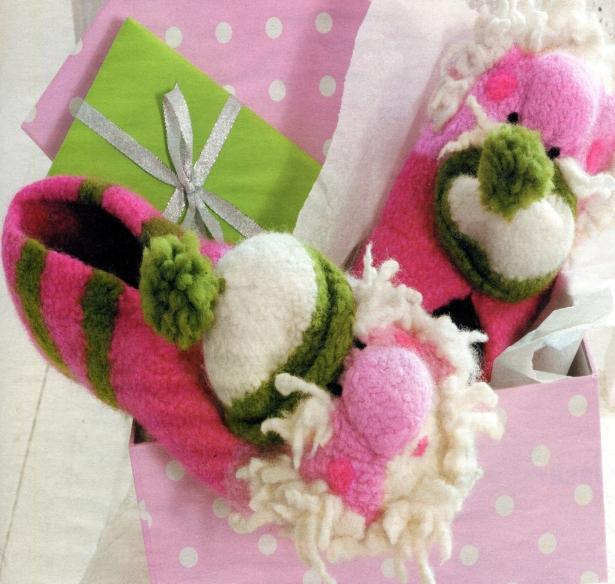 Уютные тапочки — отличный подарок на Новый год