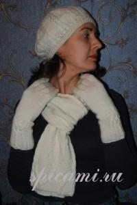вязаный комплект шапочка, шарф и перчатки