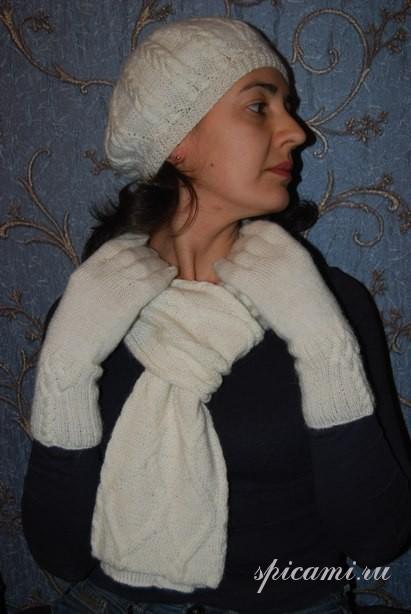 «Снежный» комплект: берет, шарф с аранами и перчатки
