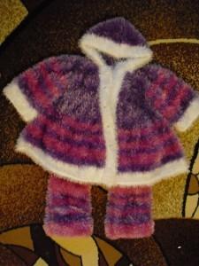 пальто и штанишки для девочки спицами