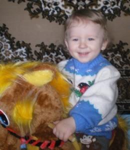 вязаный свитер для мальчика снегири