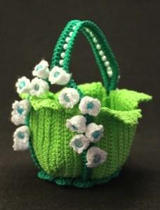 вяжем сумочку с цветочками